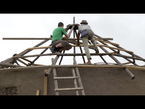 Helping to build a roof on a Xhosa house Vlog 7