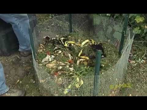 How to Build a Compost Pile For Dummies