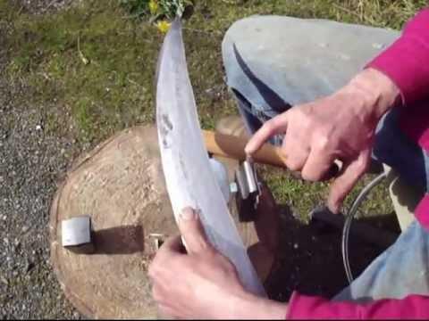 sharpening / peening a scythe