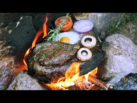 Primitive Cooking on a Rock - Bushcraft Campfire 🥩 طهي اللحوم على الحجر