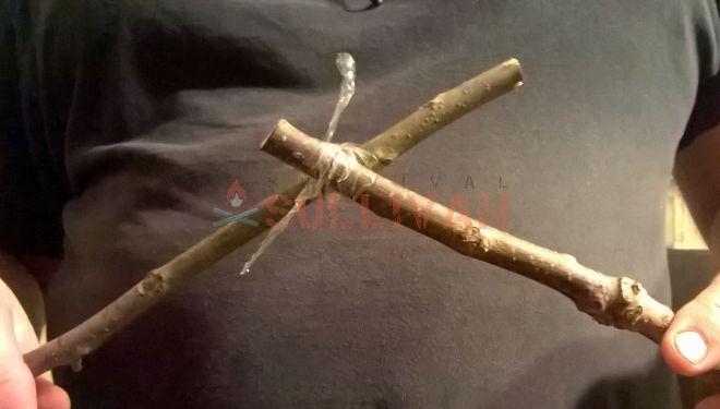 twisting water bottle cordage lashed sticks
