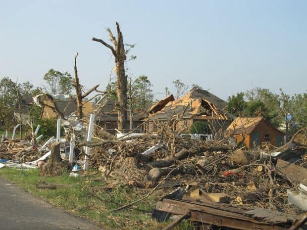 tornado destruction aftermath