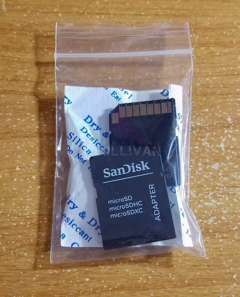 sd cards placed in zipper bag with silica gel