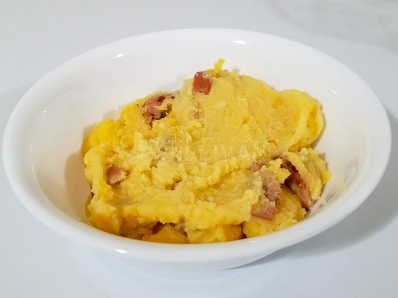 Cheesy Mashed Potatoes with Sausage