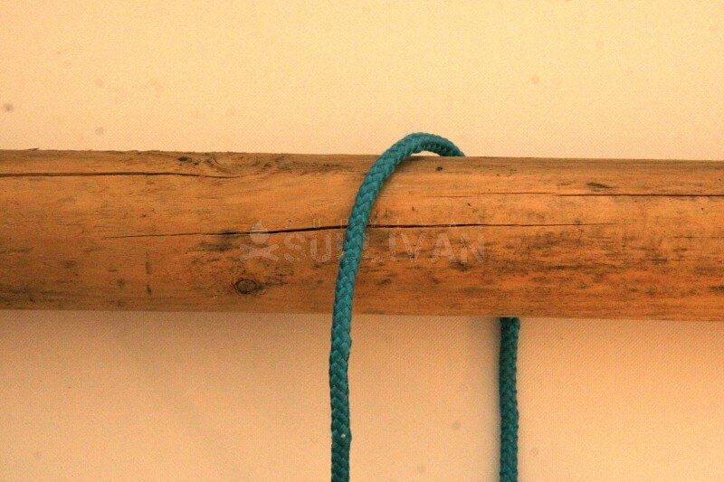 timber hitch knot step 1