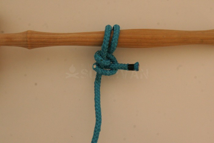 Round Turn and Two Half Hitch step 7