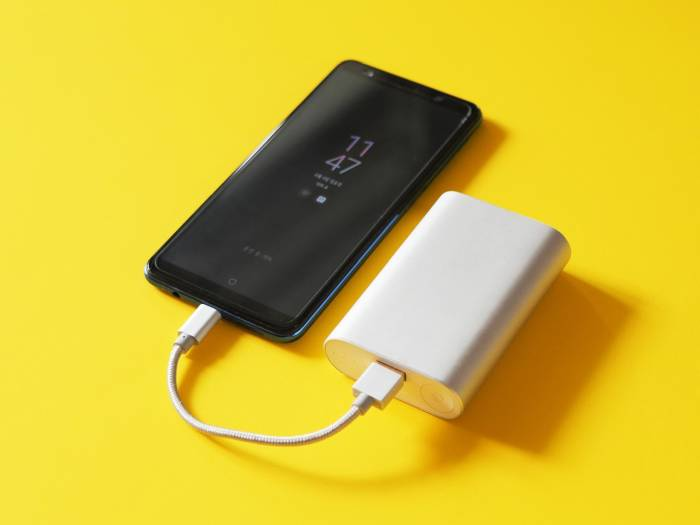 phone charging from a battery bank