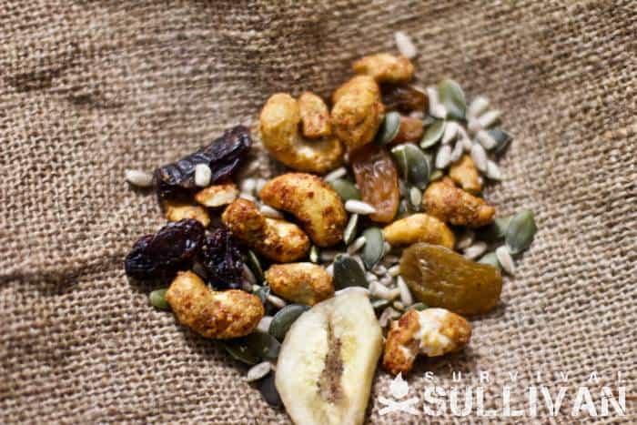 maple-chili-cashew-trail-mix