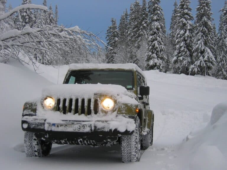 jeep in heavy snow